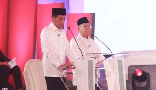 Foto Jokowi Puas dengan Penampilannya Tadi Malam, Kalau Soal Kiai Ma'ruf....