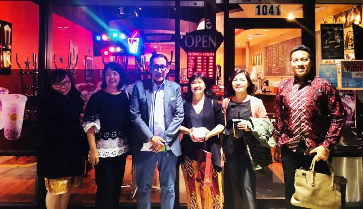 Diaspora Indonesia Buka Warung Padang