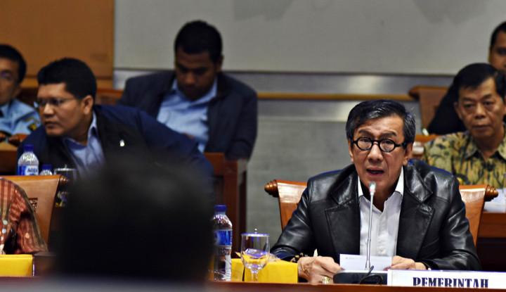 Bagai Duri dalam Daging Jokowi, Yasonna Sangat Layak Dipecat! - Warta Ekonomi