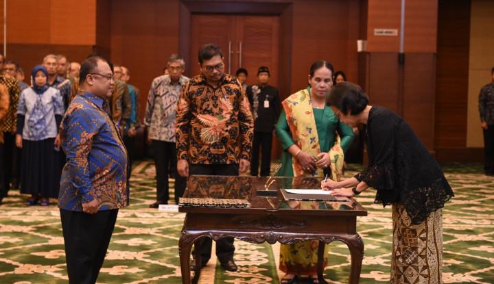 Foto Berita Menkeu Lantik Pejabat Eselon II DJP dan DJPB