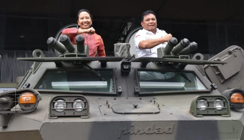 Mantap! Menteri BUMN Jajal Kendaraan Tempur Buatan Pindad