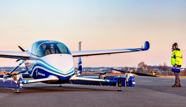 Foto Berita Boeing's Flying Car Lifts Off in Race to Revolutionize Urban Travel