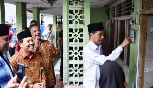 Foto Survei Puskaptis, Jokowi Unggul karena Merakyat dan Berpengalaman
