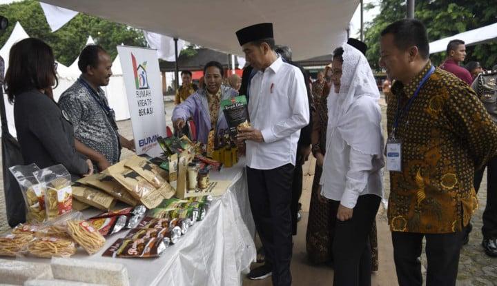 Foto Berita Temui Ibu-Ibu Mekaar, Ini yang Diminta Jokowi