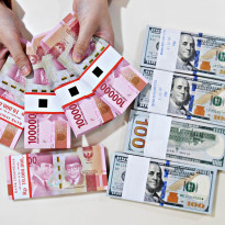 Rupiah Tambah Galak, Dolar AS Didepak Nyaris ke Bawah Rp14.300