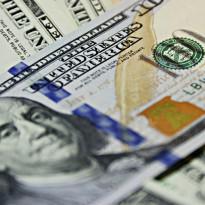 Jumat Siang: Dolar AS Tendang Rupiah ke atas Rp14.550