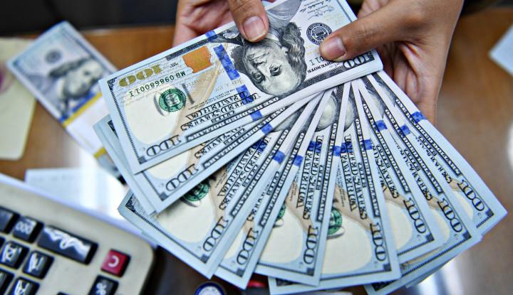 Foto Rupiah Terlemah Ketiga di Asia, Melawan Dolar AS Pun Tak Kuasa!