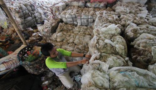 Foto Cinta Lingkungan, Pegadaian Geliatkan Program Bank Sampah