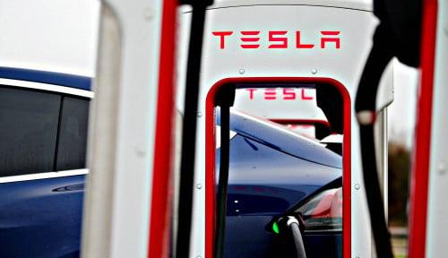 Foto Saham Tesla Naik Ratusan Persen, Miliarder Ini Langsung Jual Dapat Cuan Jumbo!