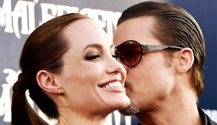 Foto Berita Cinta Angelina Jolie Hanya Untuk Brad Pitt, Cie Belum Move On Nih?