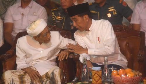 Foto Jokowi Tidak Pernah Kriminalisasi Habib Rizieq dan Ba'asyir, Itu Bukan...