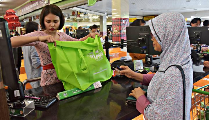 Mau Tutup, Giant Supermarket Bekasi Utara Diserbu Warga - Warta Ekonomi
