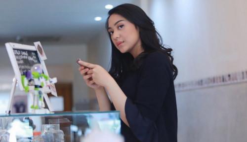 Foto Putri Tanjung: CEO Mindset Penting untuk Milenial