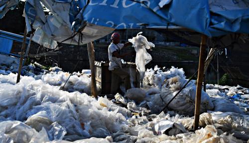 Foto Ramah Lingkungan! Perusahaan Ini Akan Pakai Sampah Plastik untuk Bangun Jalan