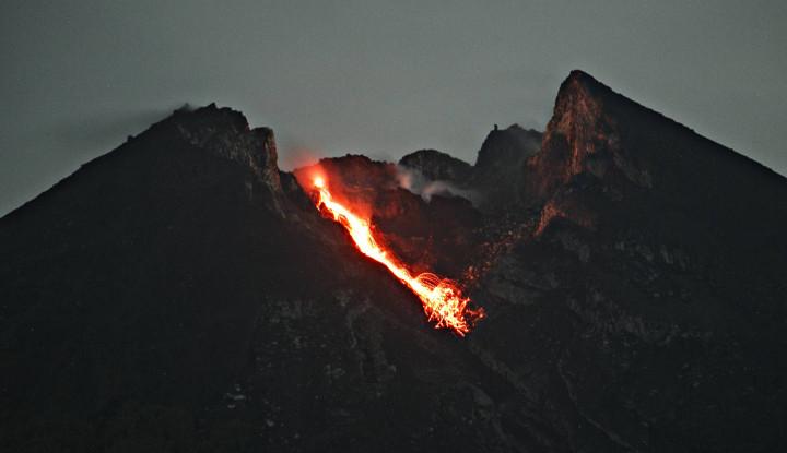 Minggu Pagi, Gempa Guguran Gunung Merapi Tercatat 16 Kali - Warta Ekonomi