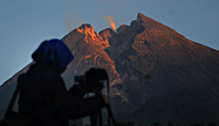 Foto Berita Guguran Awan Panas Gunung Merapi Masih Tergolong Kecil