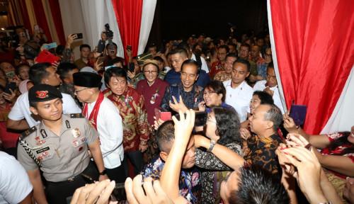 Foto Pertama Kali Hadiri Perayaan Imlek Nasional, Begini Pesan Jokowi