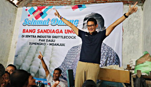Foto Sandiaga Tak Pecaya Jokowi Pakai Earpiece di Debat Semalam