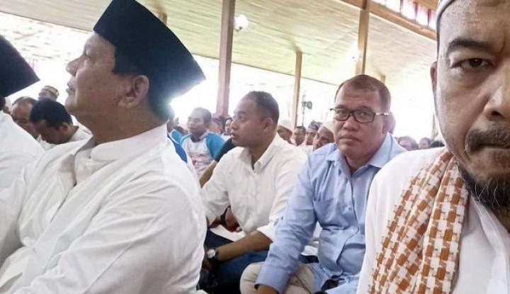 Foto Berita Yang Kami Larang Bukan Salat Jumat Pak Prabowo, Tapi...