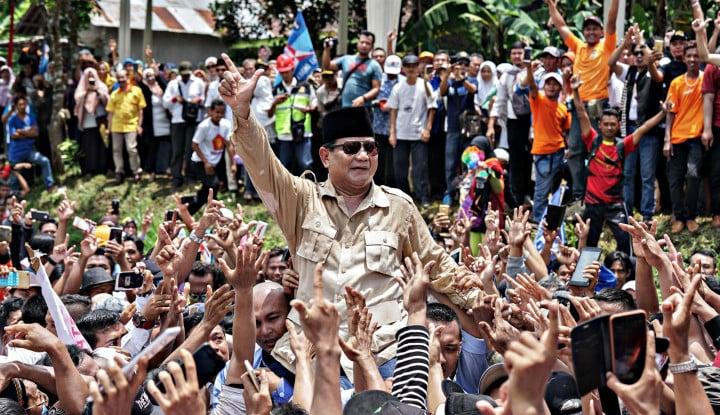 Prabowo Naik Kuda, Jokowi Naik Mobil