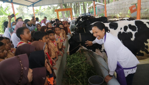 Foto Berkunjung ke Lumajang, Menteri Rini Temui Petani-Petani Sukses di Hutan Sosial