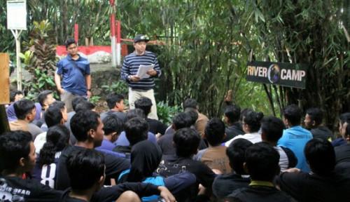Foto Peduli Sampah, Askrindo Gerakan Literasi Bersih Sungai