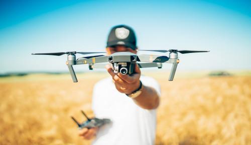 Foto Jualan Drone, Pria Ini Berharta Rp62,7 Triliun