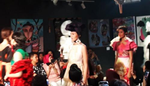 Foto Maggie Hadirkan Produk Fashion Seventh Earth