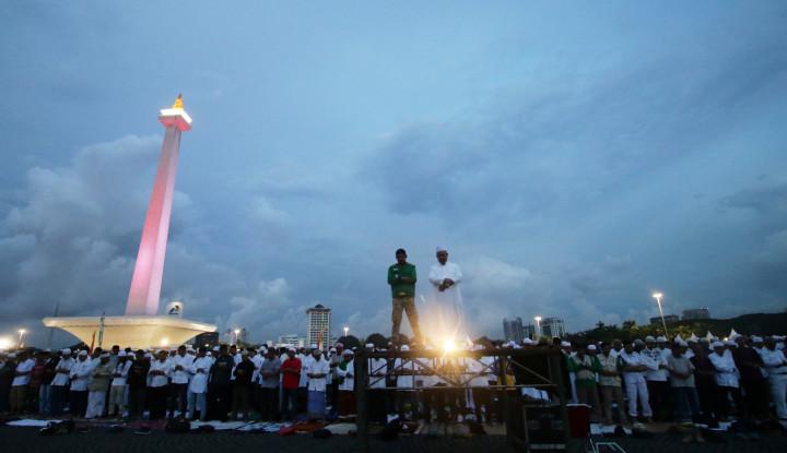 Massa Aksi MK Tak Datangkan Rejeki Buat Pedagang di Kawasan Monas - Warta Ekonomi
