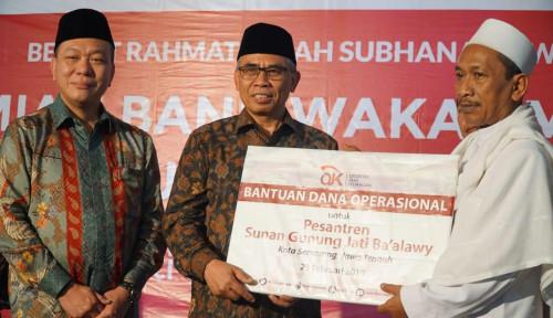 Foto Ketua OJK Resmikan Bank Wakaf Mikro Kedua Grup Astra