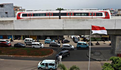Foto Asik. . . LRT Berencana Gratiskan Tiket Pelajar dan Lansia