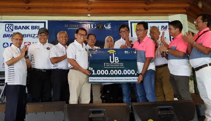 Hebat! 1st IKA UB Scholarship Golf Turnamen Himpun Donasi 1M - Warta Ekonomi