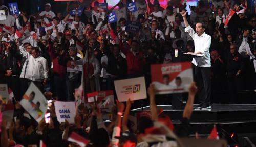 Foto Jokowi Sapa Ribuan Pendukungnya