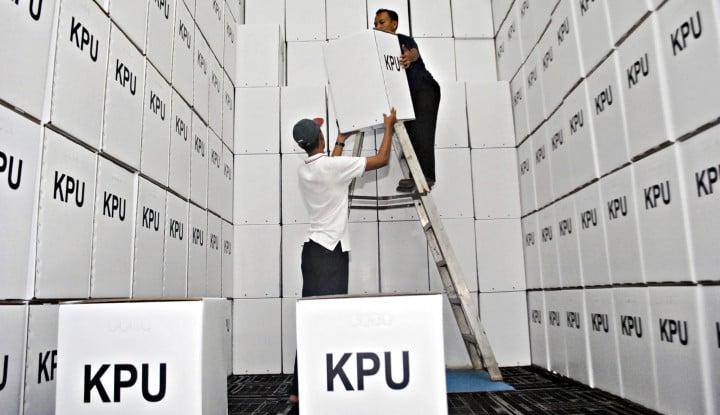 Waduh! Kubu Prabowo Minta Makam Ratusan KPPS Dibongkar, KPU 'Geram' - Warta Ekonomi