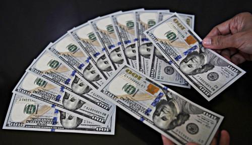 Foto Putin: Dunia Sudah Tidak Percaya Dolar AS