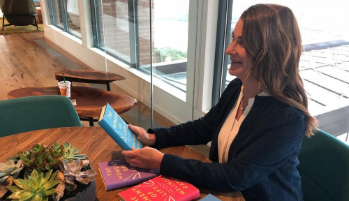 Foto Dear Wanita Karier, Ibu Miliarder Ini Bocorkan Cara Mudah Usir Stres