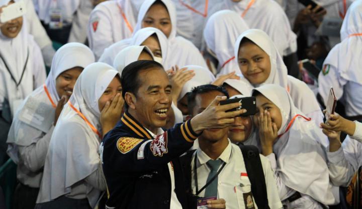 Jokowi: Penyerahan Sertifikat Tanah Tiap Tahun Lampaui Target - Warta Ekonomi