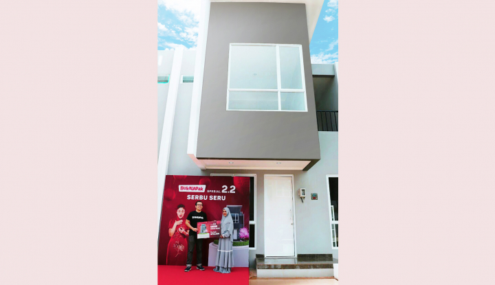 Galeri Foto Bukalapak Serahkan Rumah Rp12 000 Program Serbu Seru Bukalapak Warta Ekonomi