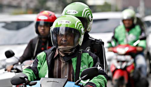 Foto PSBB Berlangsung di Jakarta, Ojek Dilarang Angkut Penumpang, Hanya Boleh. . .