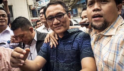 Foto Andi Arief Tak Percaya Kesaksian Saksi Prabowo