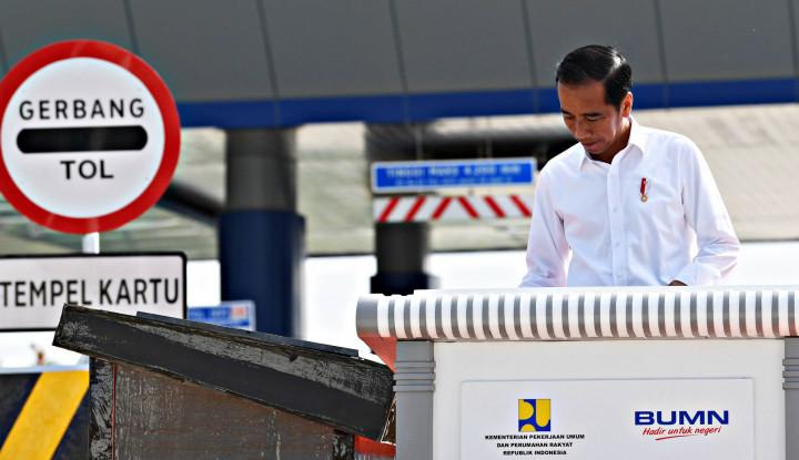 Jokowi Minta Radin Inten Dilengkapi Kereta Bandara - Warta Ekonomi