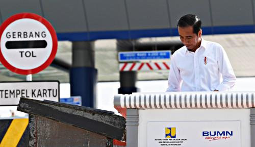Foto Meninjau Tol Pekerjaan Mandor, Jokowi Jangan Gitu Deh