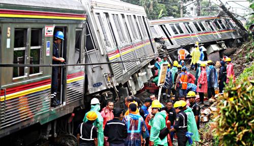 Foto KCI Pastikan Senin Jalur KRL Kembali Normal