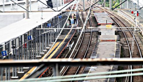 Foto Curah Hujan Tinggi, PT KAI Tingkatkan Pemeriksaan Jalur Rel Kereta Api