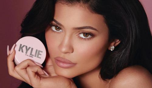 Foto Jadi Miliarder Termuda di Usia 22 Tahun, Ini Rahasia Kylie Jenner dengan Bisnis Kosmetiknya
