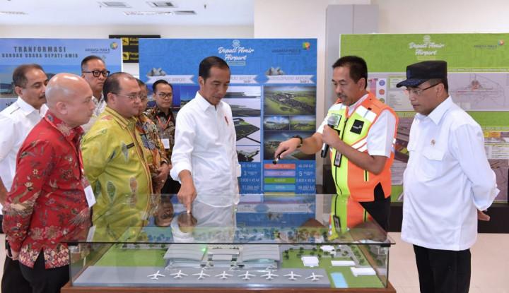 Jokowi Resmikan Bandara Depati Amir Pangkalpinang - Warta Ekonomi