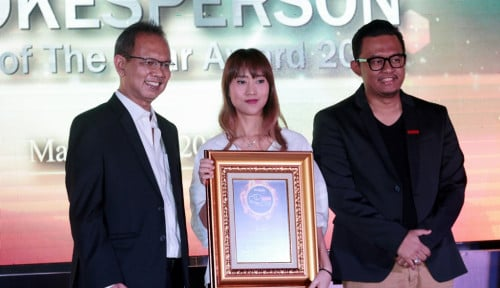 Foto Bank DBS Indonesia Sabet Indonesian Spokesperson of The Year Award 2019