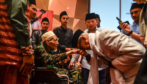 Foto Wafat di Mekkah, Mbah Moen Disalatkan di Masjidil Haram