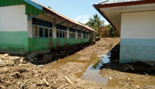 Foto Korban Banjir Bandang Mamuju Desak Pemerintah Bantu Bangkitan Kembali Kabupatennya