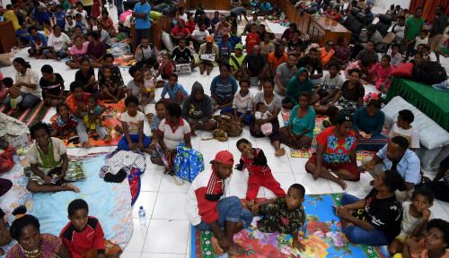 Foto Bulog Salurkan Cadangan Beras 15.000 Kg ke Jayapura